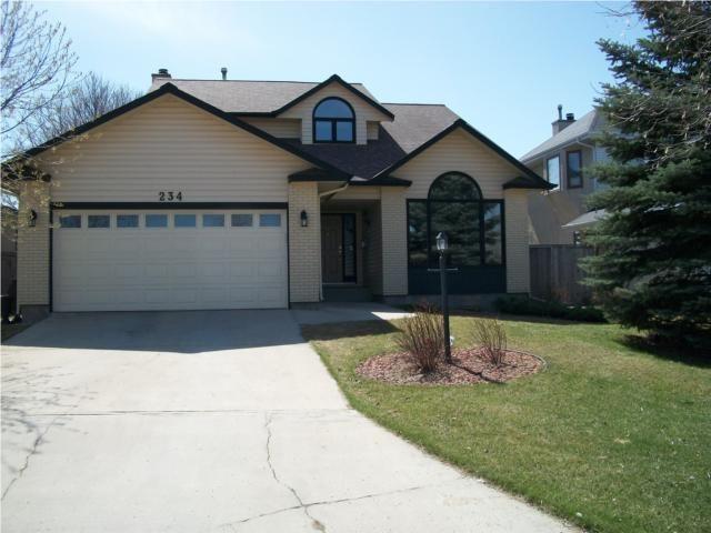 Main Photo: 234 Tweedsmuir Road in WINNIPEG: River Heights / Tuxedo / Linden Woods Residential for sale (South Winnipeg)  : MLS®# 1004134
