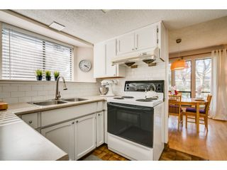 """Photo 6: 6136 129A Street in Surrey: Panorama Ridge House for sale in """"Panorama Park"""" : MLS®# R2351139"""