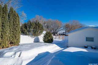 Photo 32: 222 Witney Avenue South in Saskatoon: Meadowgreen Residential for sale : MLS®# SK840959