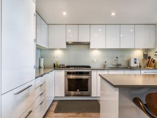 """Photo 5: 2703 6638 DUNBLANE Avenue in Burnaby: Metrotown Condo for sale in """"Midori"""" (Burnaby South)  : MLS®# R2581588"""