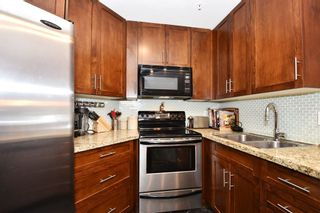 "Photo 8: 302 2288 LAUREL Street in Vancouver: Fairview VW Townhouse for sale in ""PARKVIEW TERRACE"" (Vancouver West)  : MLS®# R2129884"