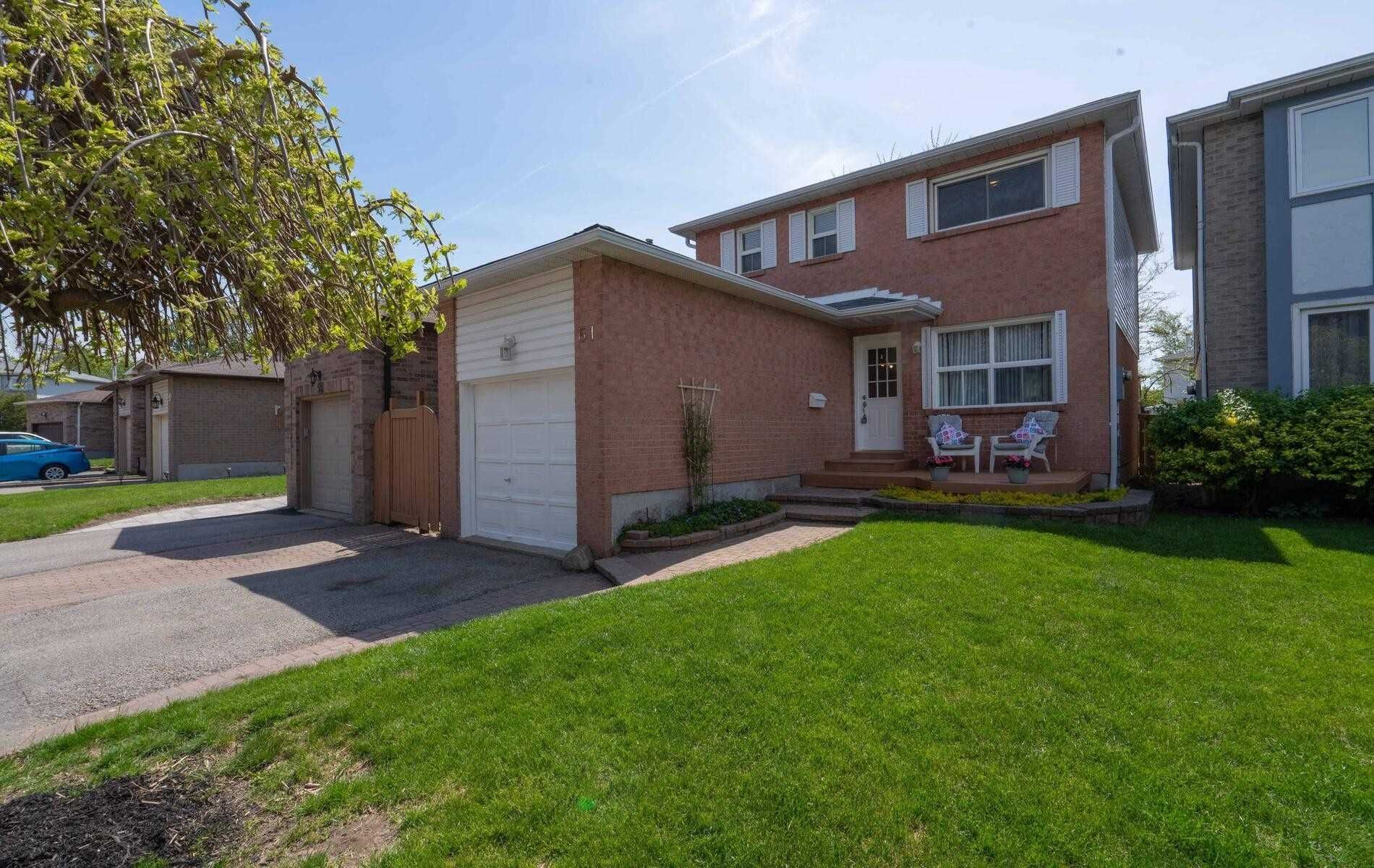 Main Photo: 61 Charlton Crescent in Ajax: South West House (2-Storey) for sale : MLS®# E5244173
