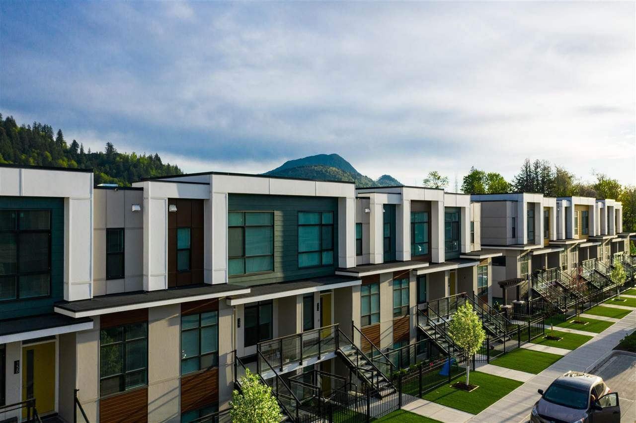 Main Photo: 199 46150 THOMAS Road in Chilliwack: Sardis West Vedder Rd Townhouse for sale (Sardis)  : MLS®# R2586071