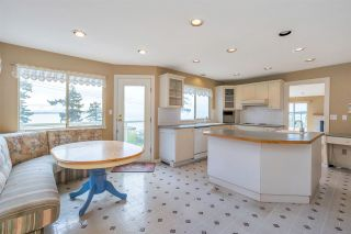 """Photo 15: 14887 HARDIE Avenue: White Rock House for sale in """"White Rock"""" (South Surrey White Rock)  : MLS®# R2509233"""