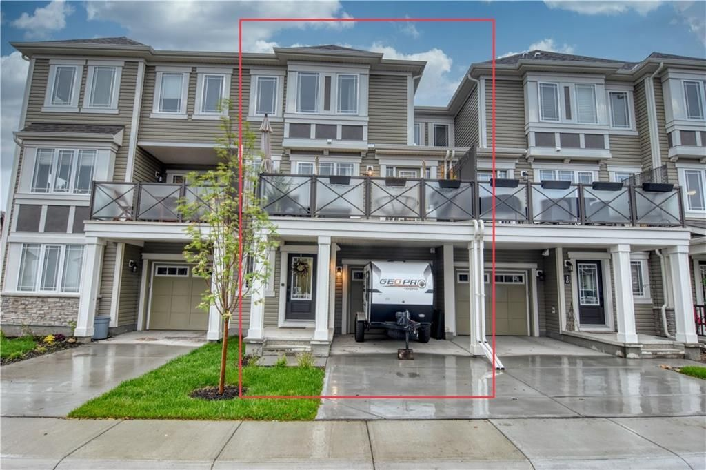 Main Photo: 326 HILLCREST Square SW: Airdrie Row/Townhouse for sale : MLS®# C4303380