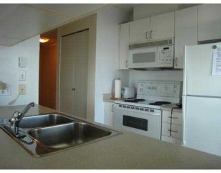 """Photo 4: 2209 438 SEYMOUR Street in Vancouver: Downtown VW Condo for sale in """"CONFERENCE PLAZA"""" (Vancouver West)  : MLS®# V669096"""