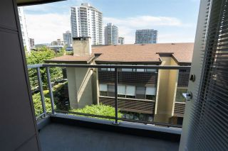 """Photo 32: PH10 1288 CHESTERFIELD Avenue in North Vancouver: Central Lonsdale Condo for sale in """"Alina"""" : MLS®# R2479203"""