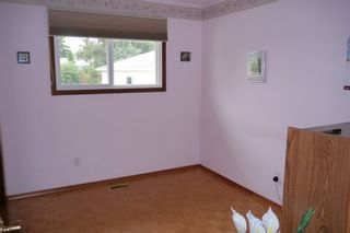 Photo 6: 5 Petersfield Place in Winnipeg: Single Family Detached for sale