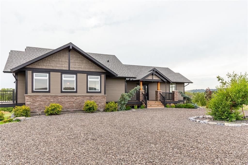 Main Photo: 264075 FORESTRY TRUNK Road in Rural Rocky View County: Rural Rocky View MD Detached for sale : MLS®# C4295898