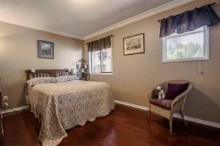 """Photo 12: 1720 LILAC Drive in Surrey: King George Corridor Townhouse for sale in """"Alderwood 3"""" (South Surrey White Rock)  : MLS®# R2171971"""
