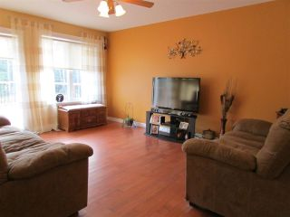 """Photo 6: 13737 283 Road: Charlie Lake House for sale in """"CHARLIE LAKE - CAMPBELL ROAD"""" (Fort St. John (Zone 60))  : MLS®# R2113422"""