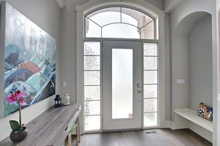 Photo 2: 430 Sierra Madre Court SW in Calgary: Signal Hill Detached for sale : MLS®# A1100260