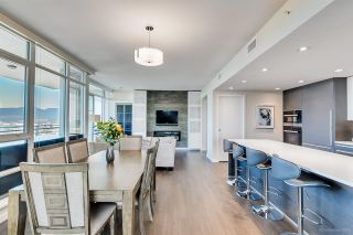 """Photo 12: 4202 4485 SKYLINE Drive in Burnaby: Brentwood Park Condo for sale in """"ALTUS AT SOLO"""" (Burnaby North)  : MLS®# R2316432"""