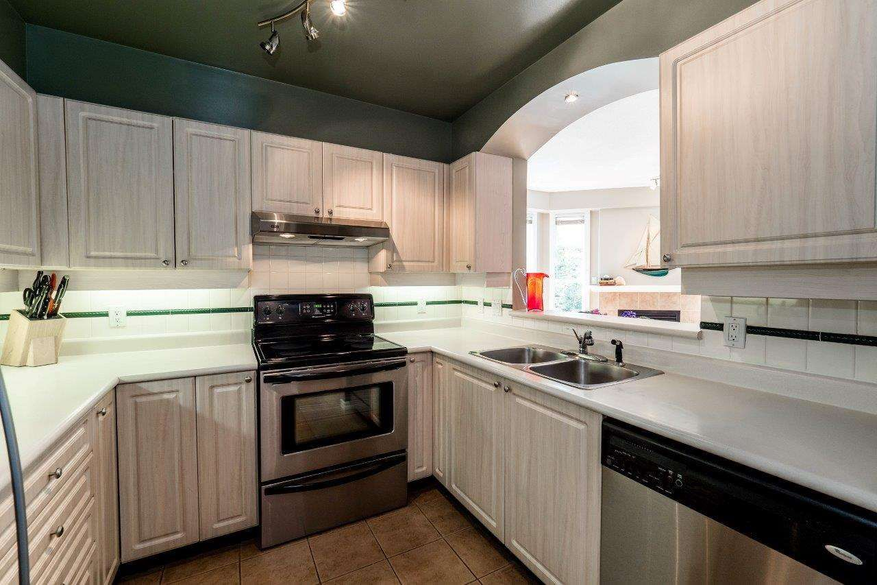 """Photo 9: Photos: 433 3600 WINDCREST Drive in North Vancouver: Roche Point Condo for sale in """"RAVENWOODS"""" : MLS®# R2072871"""