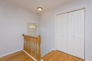 Photo 2: 15028 80 Street in Edmonton: Zone 02 House for sale : MLS®# E4258396