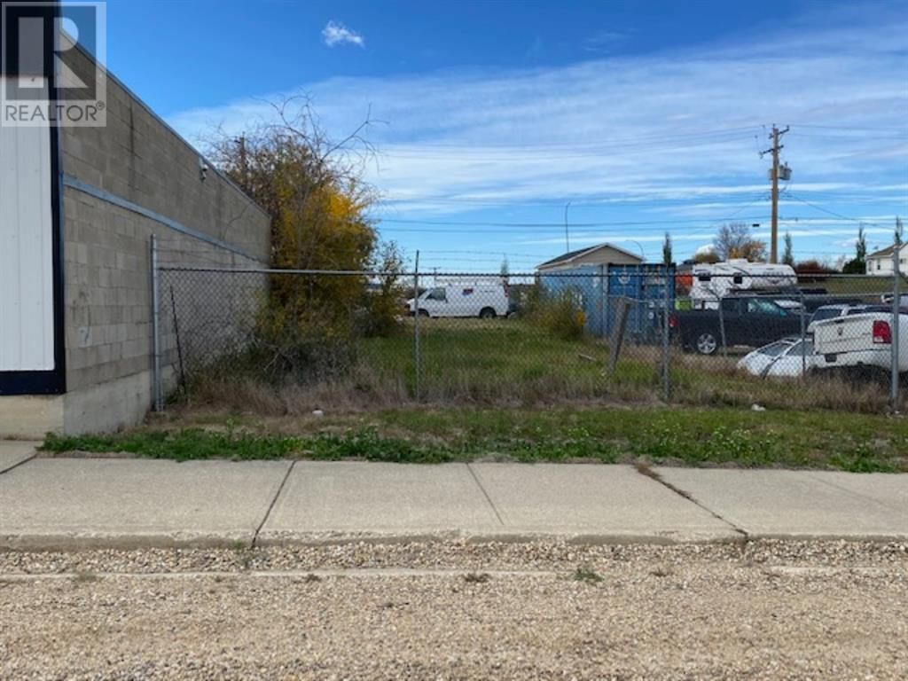 Main Photo: 5002 51 Street in Mayerthorpe: Vacant Land for sale : MLS®# A1151474