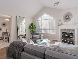 """Photo 6: 305 1150 LYNN VALLEY Road in North Vancouver: Lynn Valley Condo for sale in """"The Laurels"""" : MLS®# R2496029"""
