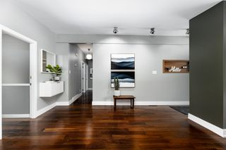 Photo 5: 7207 90 Avenue in Edmonton: Zone 18 House for sale : MLS®# E4262799