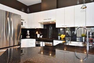 "Photo 2: 402 588 TWELFTH Street in New Westminster: Uptown NW Condo for sale in ""The Regency"" : MLS®# R2242591"