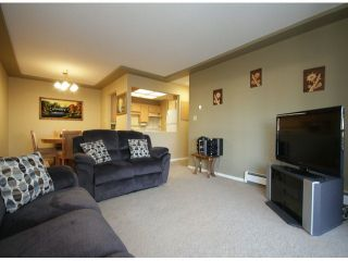 "Photo 7: 107 33401 MAYFAIR Avenue in Abbotsford: Central Abbotsford Condo for sale in ""MAYFAIR GARDENS"" : MLS®# F1402599"