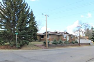Main Photo: 823 Midridge Drive SE in Calgary: Midnapore Detached for sale : MLS®# A1101071