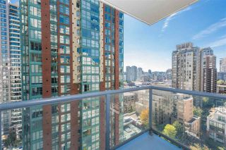 """Photo 10: 1405 928 RICHARDS Street in Vancouver: Yaletown Condo for sale in """"SAVOY"""" (Vancouver West)  : MLS®# R2107849"""