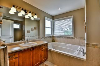 """Photo 13: 15469 37A Avenue in Surrey: Morgan Creek House for sale in """"ROSEMARY HEIGHTS"""" (South Surrey White Rock)  : MLS®# R2090418"""