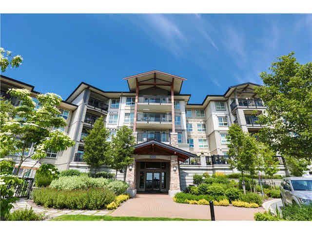 Main Photo: 511 3050 DAYANEE SPRINGS BL Boulevard in Coquitlam: Westwood Plateau Condo for sale : MLS®# V1124098