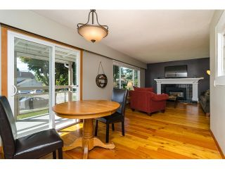 Photo 8: 15871 THRIFT Avenue: White Rock House for sale (South Surrey White Rock)  : MLS®# R2057585