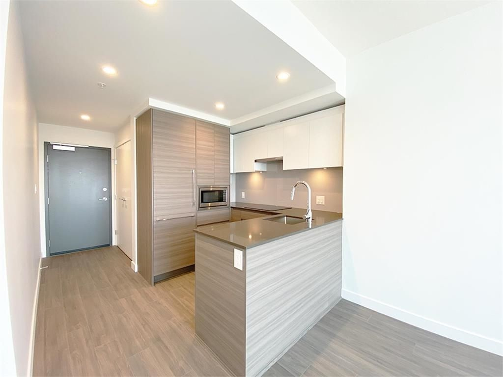 """Main Photo: 2802 13655 FRASER Highway in Surrey: Whalley Condo for sale in """"KING GEORGE HUB 2"""" (North Surrey)  : MLS®# R2618869"""