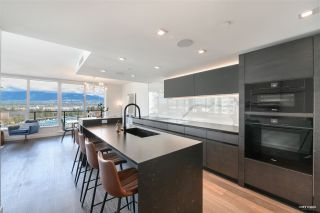 """Photo 11: 2001 620 CARDERO Street in Vancouver: Coal Harbour Condo for sale in """"Cardero"""" (Vancouver West)  : MLS®# R2563409"""