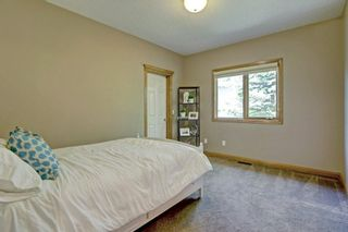 Photo 16: 7112 BOW Crescent NW in Calgary: Bowness Detached for sale : MLS®# A1081115