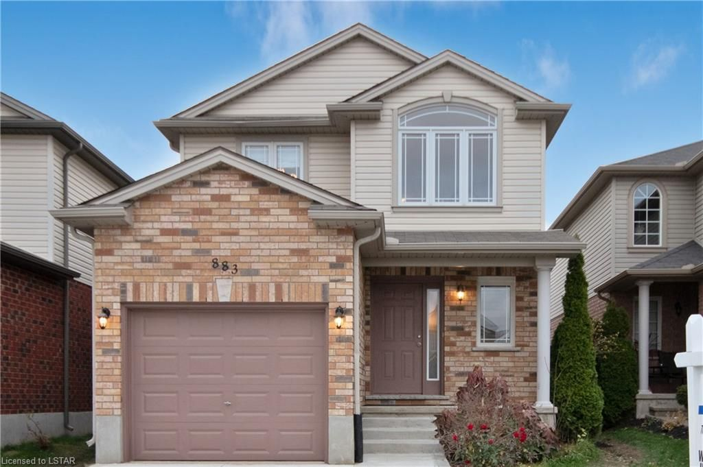Main Photo: 883 BRADSHAW Crescent in London: Property for sale