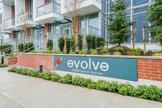 "Photo 15: 2411 13308 CENTRAL Avenue in Surrey: Whalley Condo for sale in ""Evolve"" (North Surrey)  : MLS®# R2448103"