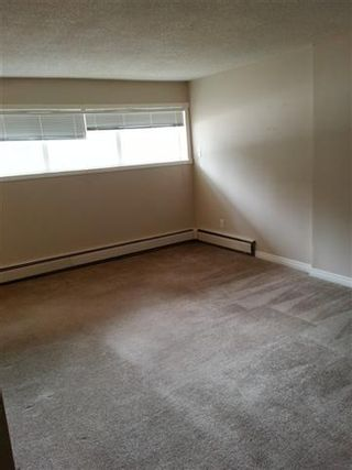 Photo 2: #1, 414 41 Street: Edson Condo for sale : MLS®# 35961