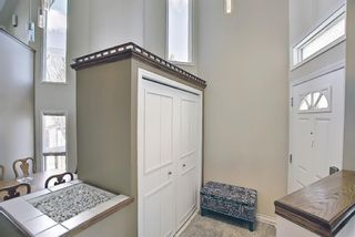 Photo 2: 117 Hawkford Court NW in Calgary: Hawkwood Detached for sale : MLS®# A1103676