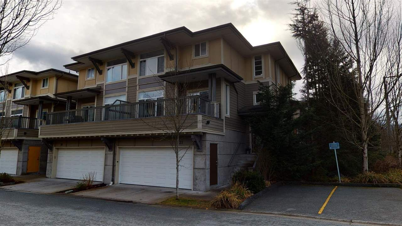 """Main Photo: 37 40632 GOVERNMENT Road in Squamish: Brackendale Townhouse for sale in """"Riverswalk"""" : MLS®# R2546041"""
