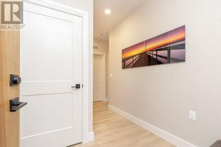 Photo 5: 103 741 Travino Lane in Saanich: House for sale : MLS®# 885483