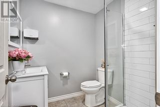 Photo 14: 379 LAKESHORE Road W in Oakville: House for sale : MLS®# 40175070