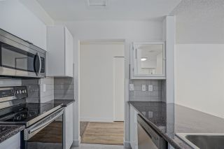 """Photo 12: 1505 2668 ASH Street in Vancouver: Fairview VW Condo for sale in """"CAMBRIDGE GARDENS"""" (Vancouver West)  : MLS®# R2354882"""