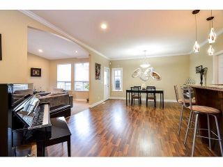 """Photo 2: 6350 167B Street in Surrey: Cloverdale BC House for sale in """"CLOVER RIDGE"""" (Cloverdale)  : MLS®# F1430090"""