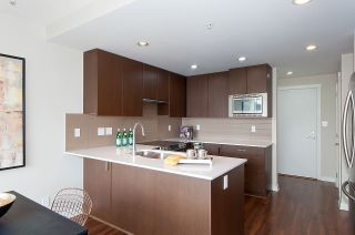 "Photo 10: 1905 125 COLUMBIA Street in New Westminster: Downtown NW Condo for sale in ""NORTHBANK"" : MLS®# R2255130"