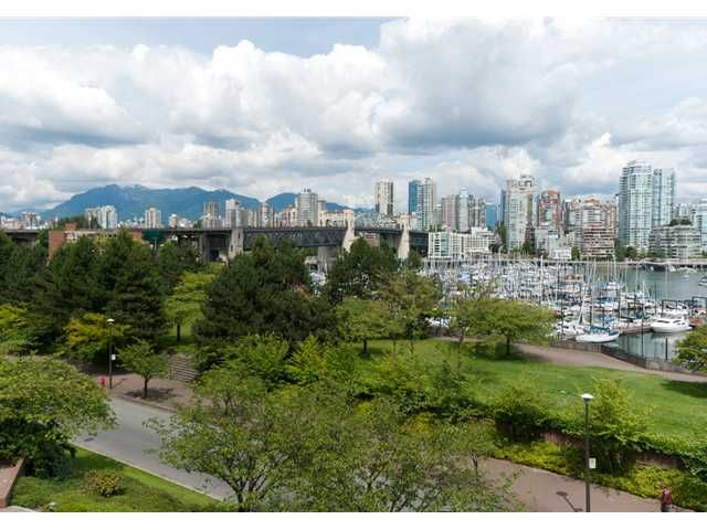 "Main Photo: 304 1490 PENNYFARTHING Drive in Vancouver: False Creek Condo for sale in ""HARBOUR COVE"" (Vancouver West)  : MLS®# V839752"