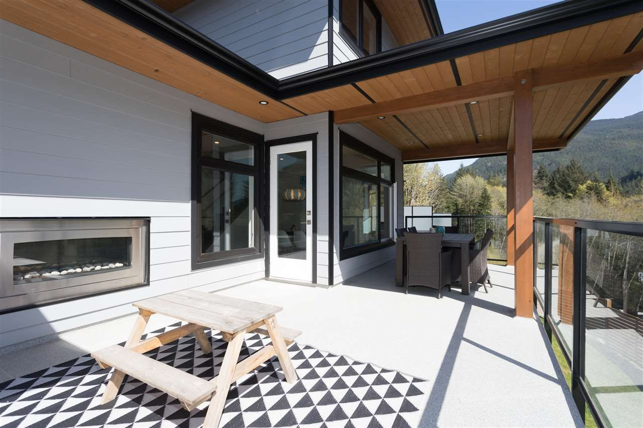 """Photo 19: Photos: 2252 WINDSAIL Place in Squamish: Plateau House for sale in """"Crumpit Woods"""" : MLS®# R2365036"""