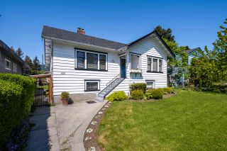 Photo 1: 458 E 11TH STREET in North Vancouver: Central Lonsdale House for sale : MLS®# R2453585