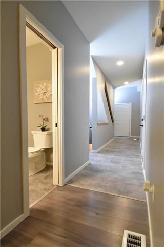 Photo 2: 3 548 Dufferin Avenue in Selkirk: R14 Residential for sale : MLS®# 202121789