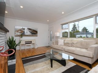 Photo 4: 3876 Carey Rd in VICTORIA: SW Tillicum House for sale (Saanich West)  : MLS®# 835142