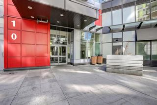 Photo 3: 808 10 Brentwood Common NW in Calgary: Brentwood Apartment for sale : MLS®# A1093713