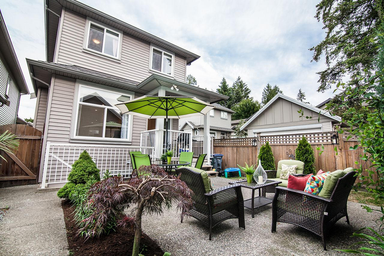 """Photo 3: Photos: 2907 152A Street in Surrey: King George Corridor House for sale in """"SOUTHPOINT ESTATES"""" (South Surrey White Rock)  : MLS®# R2278623"""