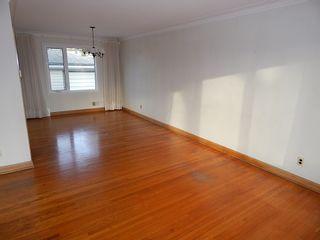 Photo 3: 319 Oakland Avenue in Winnipeg: North Kildonan House for sale ()  : MLS®# 1727613
